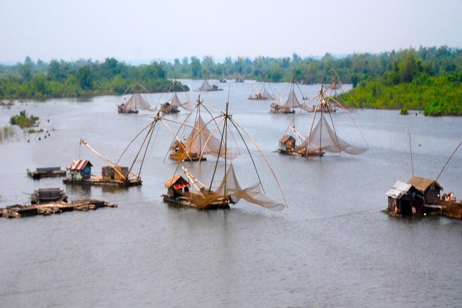 river-cruise-toward-angkor-tour